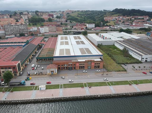 Fachada principal - Nave Ria Avilés - Vista global
