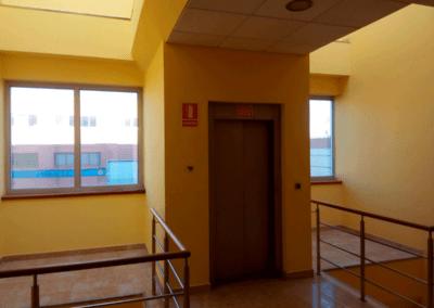 Edificio Oficinas. Polígono Espíritu Santo - Oviedo. Ascensor