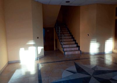 Edificio Oficinas. Polígono Espíritu Santo - Oviedo. Entrada