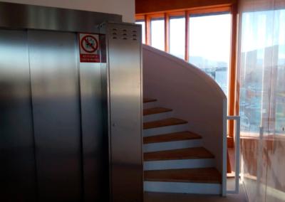 Edificio Oficinas Parque Tecnológico - Gijón. Escaleras y Ascensor
