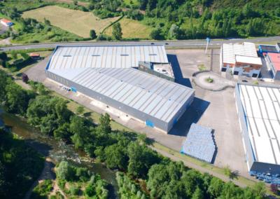 Conjunto Naves Industriales Logísticas - Polígono Olloniego - Oviedo. Vista aérea 4